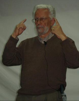 Enrique Dussel en el Club de Periodistas*