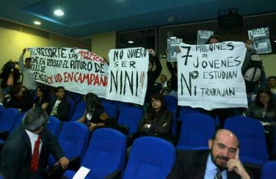 Ante protestas, Lujambio deslinda al Ejecutivo de recortes a universidades